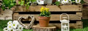 Frühjahrsdekoration für den Garten